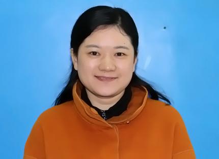 初中政治教师 刘艳